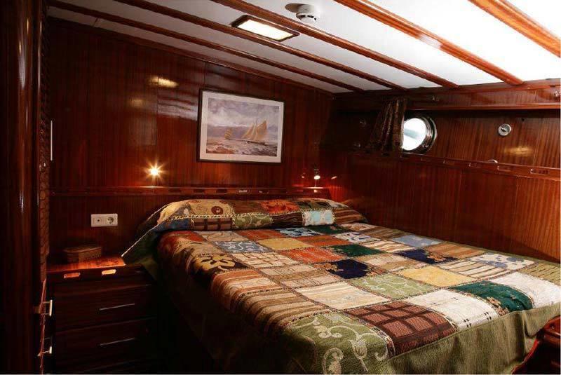 aeolian islands gulet cruise